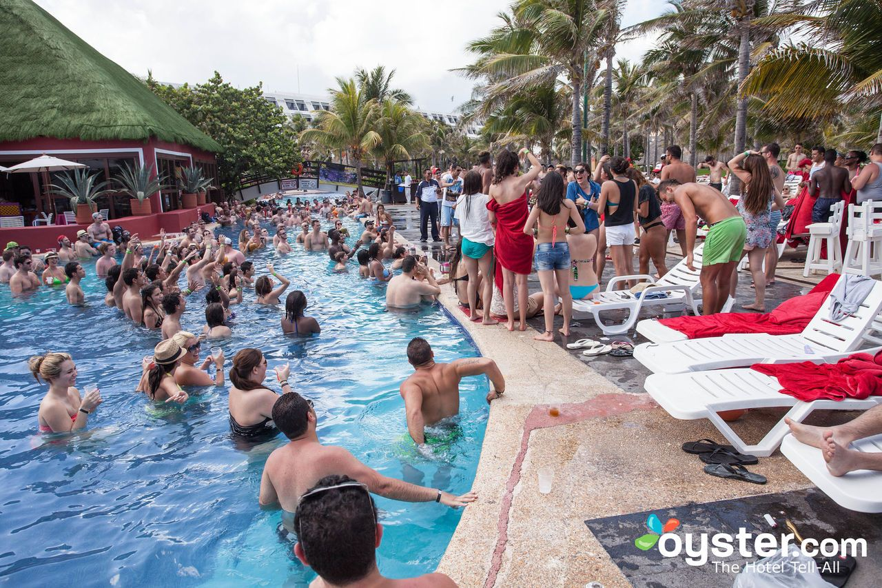 Heading To Cancun For Spring Break A Bachelorette Party Or With Your Party Loving Family Hotels In Cancun S Hotel Zon Cancun Hotels Cancun Hotel Zone Cancun