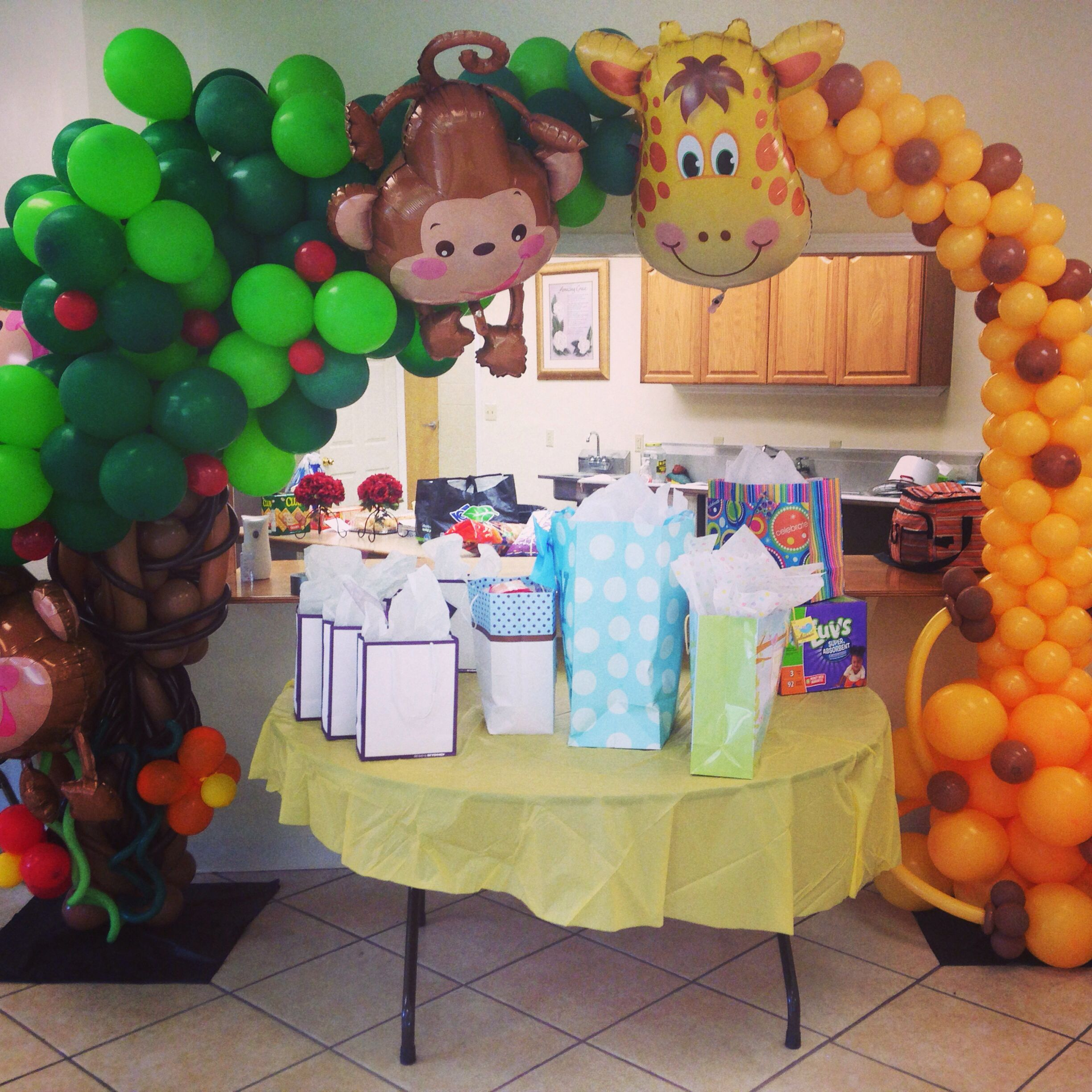 Baby Shower Balloon Decoration Balloon Decorations Balloons Jungle Theme Parties