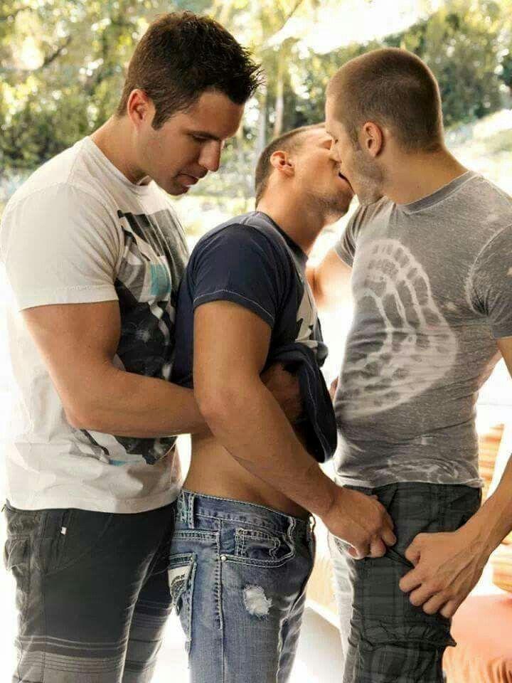 Teen threesome kiss in shower xx