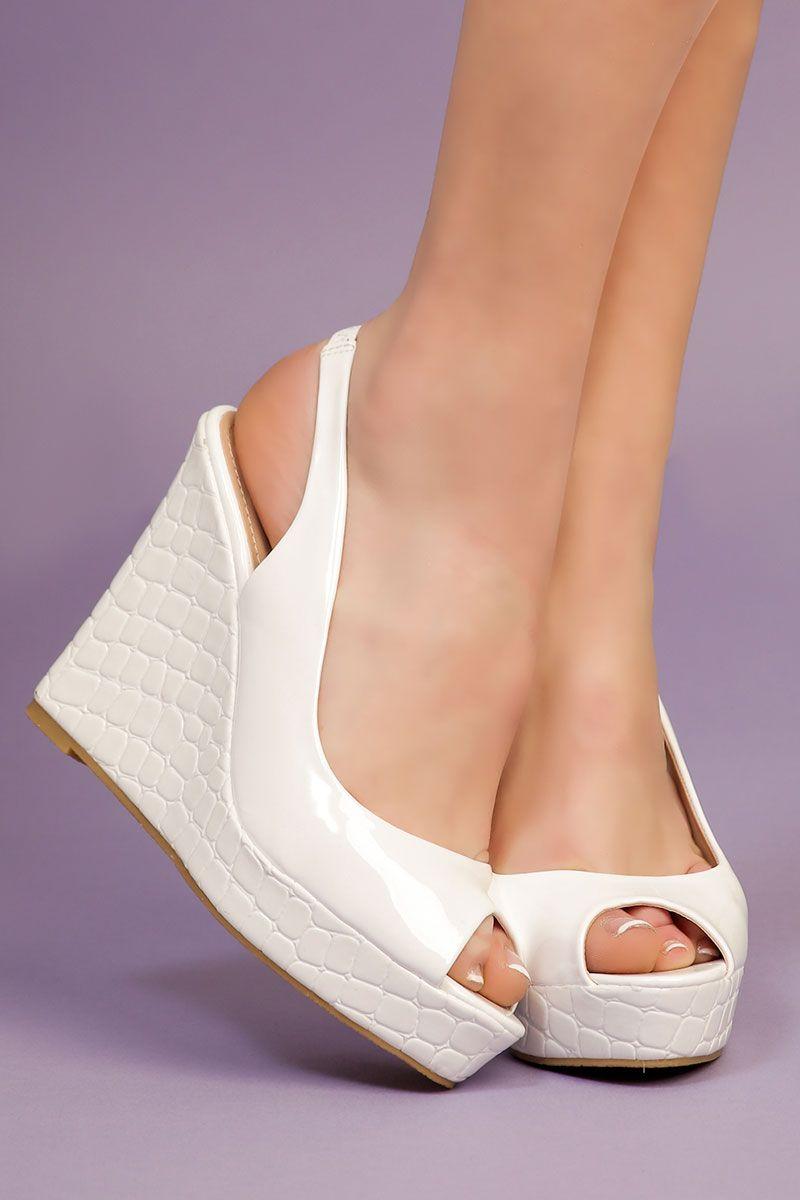 60d74d42c29df3 Escarpins Blancs vernis - INFINIE PASSION | Chaussures | Escarpin ...