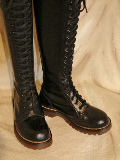 Pin By Melanie On The Tomboy In Me Boots Doc Martens Knee High Boots