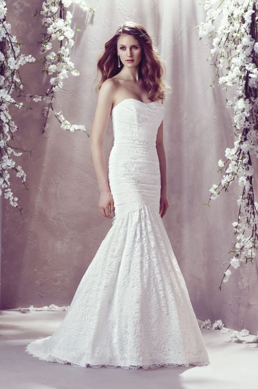 DISCONTINUED Mikaella wedding dress Style # 1805. Lace Bridal Gown ...
