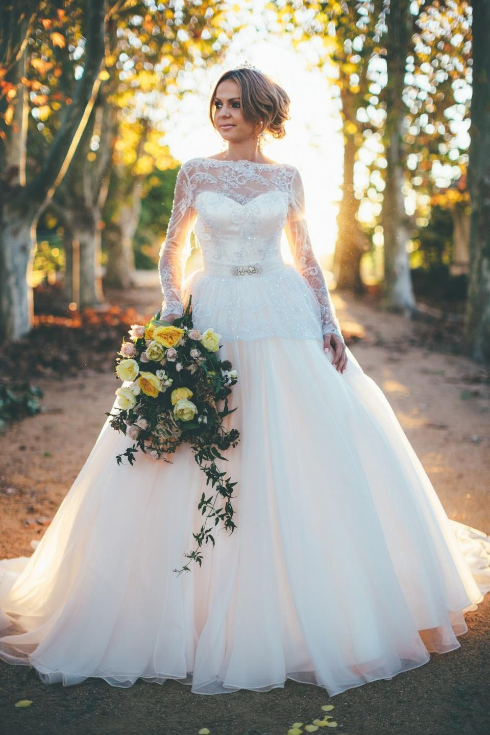 Click to buy ucuc gorgeous classic lace sexy backless wedding dress