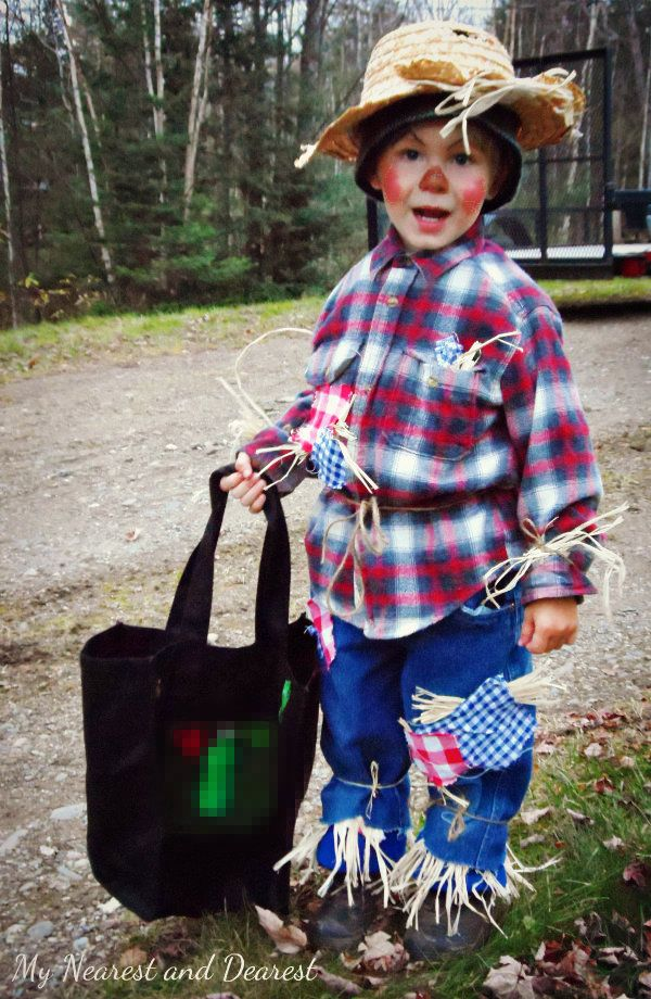 How to make a scarecrow costume for your little one this Halloween ...