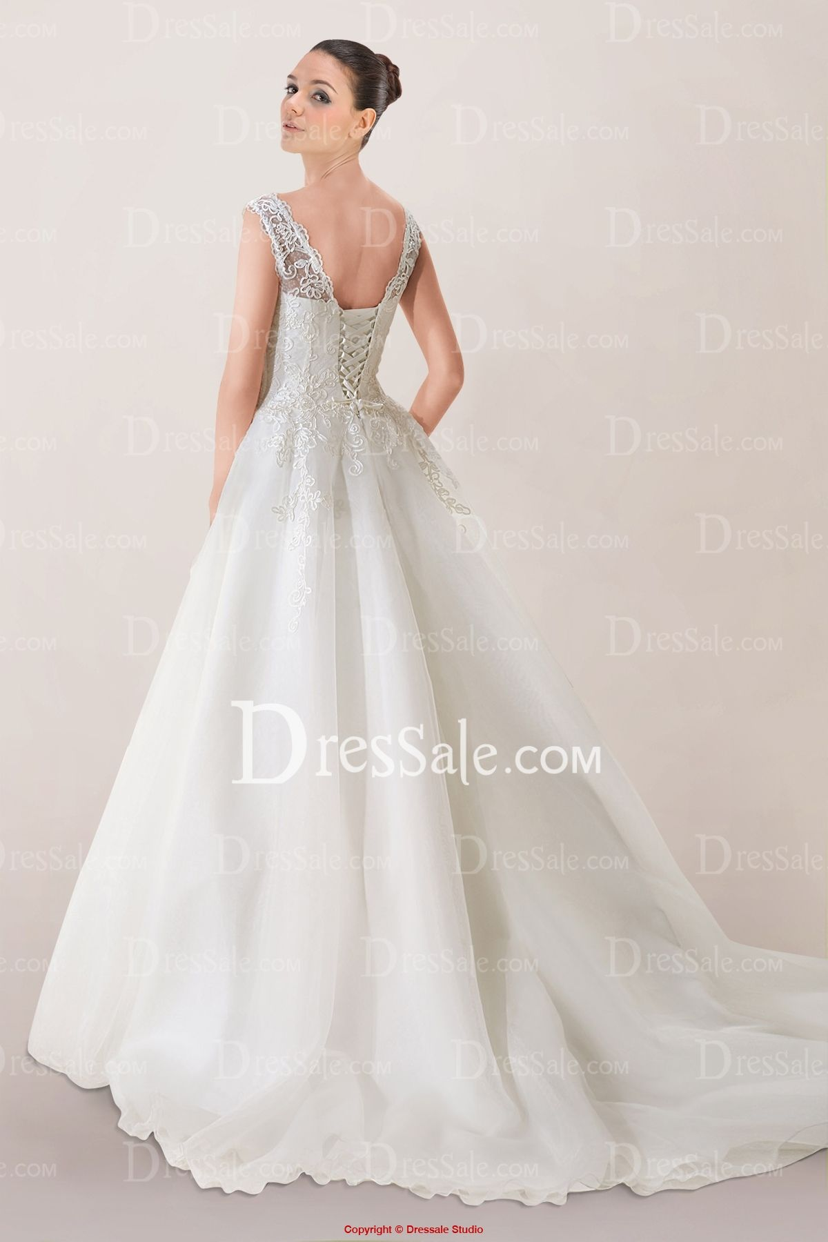 Bodice wedding dress  Exquisite Princess Wedding Dress with Plunging Neckline and Lace