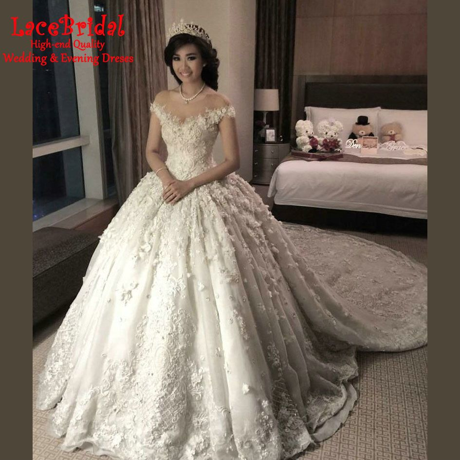 a2aef50e8 Find More Wedding Dresses Information about Luxury Super Royal Monarch Ball  Gown O Neck Flowers Beaded Lace Wedding Dresses 2016 Cathedral Train  Deposit ...