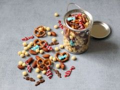 Father's Day Snack Mix