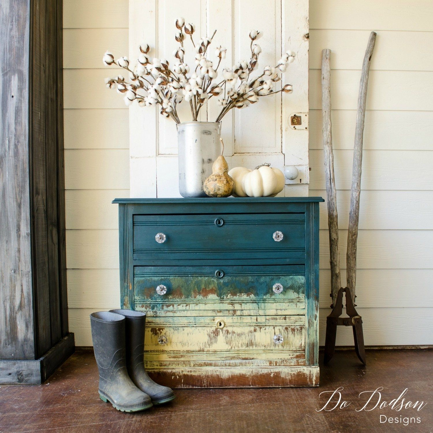 Amazing Hand Painted Furniture That Will Blow Your Mind #Dododsondesigns
