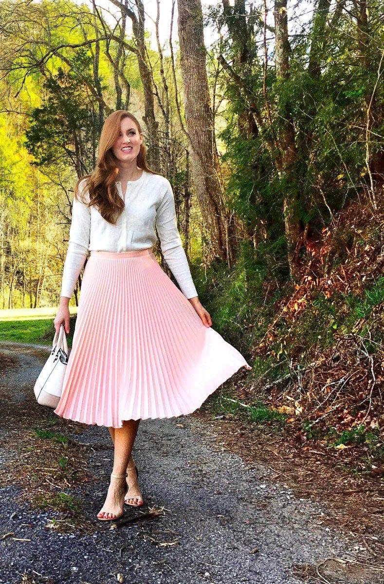 9705efbda5 Blush Pleated Midi Skirt Mundo Da Moda