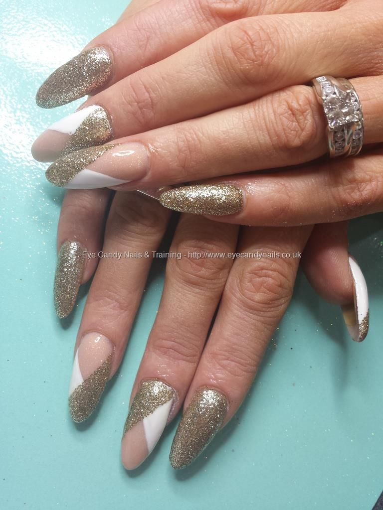 Nude Acrylic Nails With Gold And White Nail Art Nails Pinterest