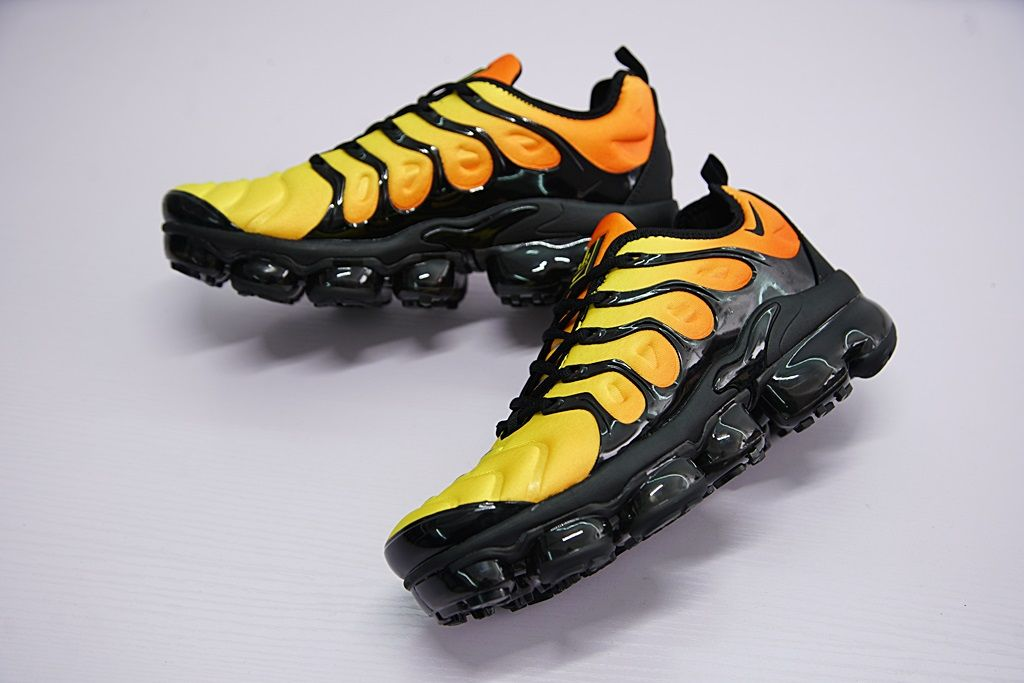 NIKE AIR VAPORMAX PLUS TM ATMOSPHERE SUNSET ORANGE 924453 051 cleveland  edits edit