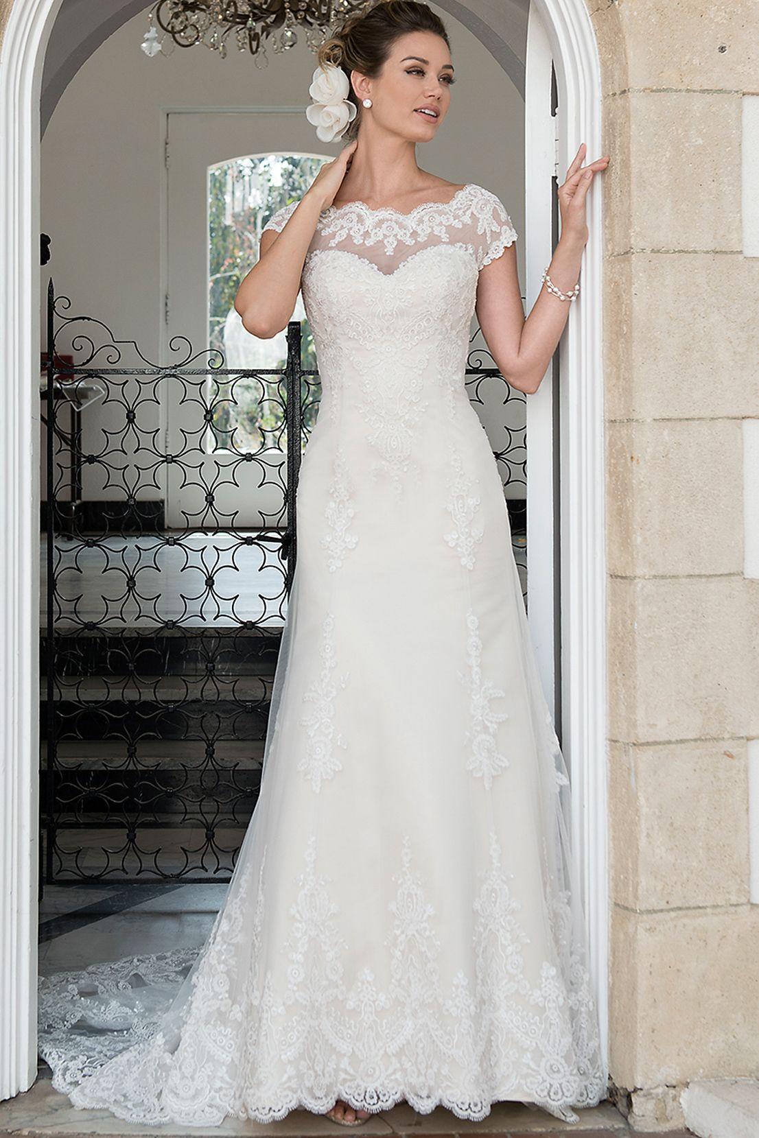 Langes Brautkleid Fit and Flare in 17  Hochzeitskleid spitze