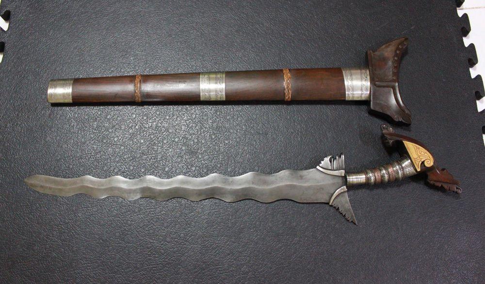 Resultado de imagen para espadas kris