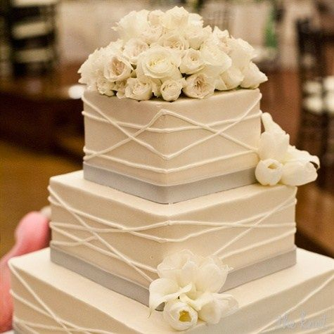 Elegant Square Cake Square Wedding Cakes Simple Wedding Cake Cool Wedding Cakes