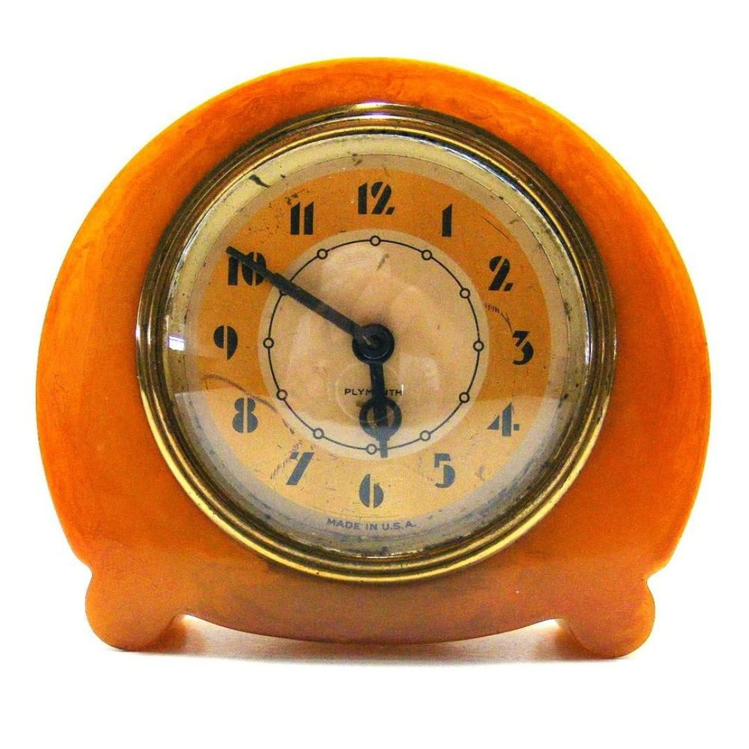 Things That Inspire Us A Vintage Art Deco Bakelite Catalin Clock By Plymouth Clock Co Artdeco Ets Art Deco Clock Art Deco Decor Art Deco Furniture