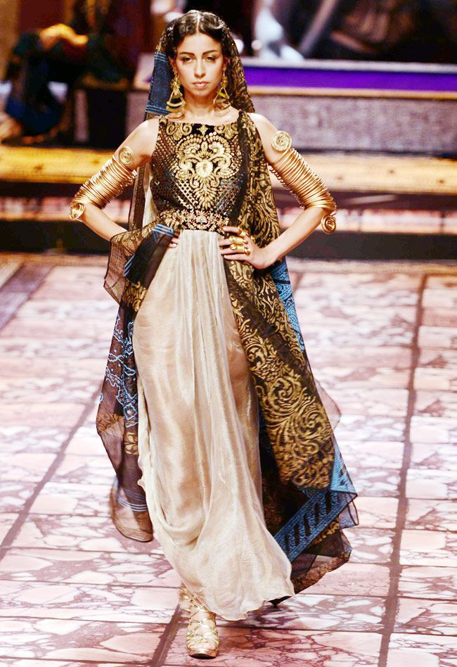 Bold and Beautiful Brides | Suneet Varma's Collection at Aamby Valley India Bridal Fashion Week, 2013 https://www.facebook.com/pages/Suneet-Varma-Official-Page/118983668143722 | India Today