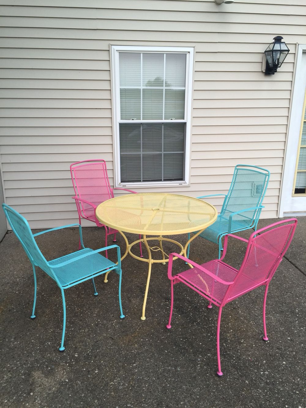 Colorful iron patio table and chairs