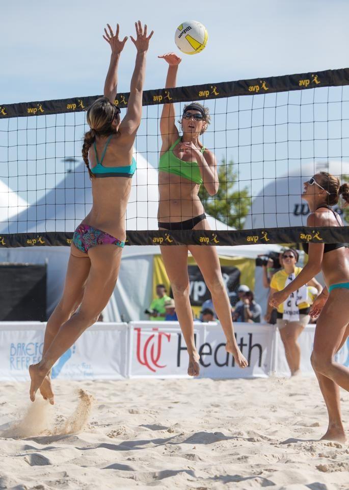 Pin By David Parker On Women S Beach Volleyball Woman Beach Beach Volleyball Summer Days