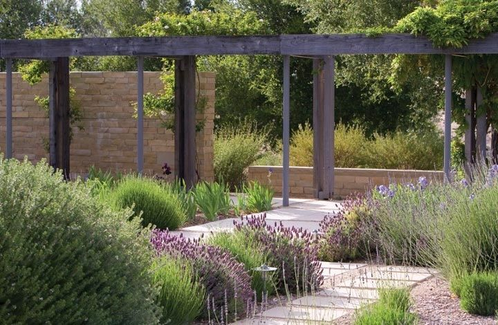 Contemporary garden pergola walls with beautiful proportions and