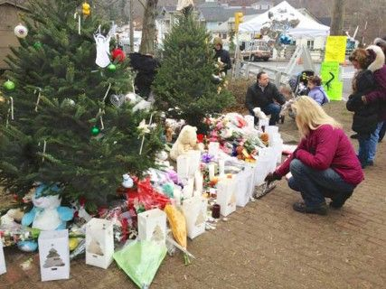 Winter Park Presbyterian Church is planning a Advent Vigil for Peace at 7 p.m. Dec. 13 to honor the victims, survivors and their families of shootings at Sandy Hook Elementary School in Newtown, CT., a year ago.