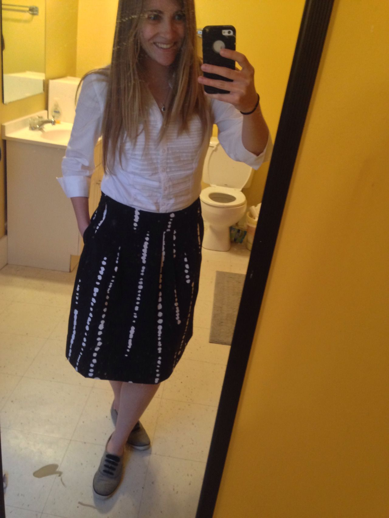 I felt cute yesterday. Plus, the skirt has pockets!!!!