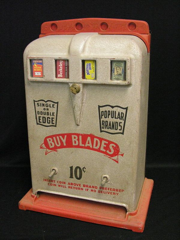145 Vintage 10 Cent Razor Blade Vending Machine Lot 145 Vending