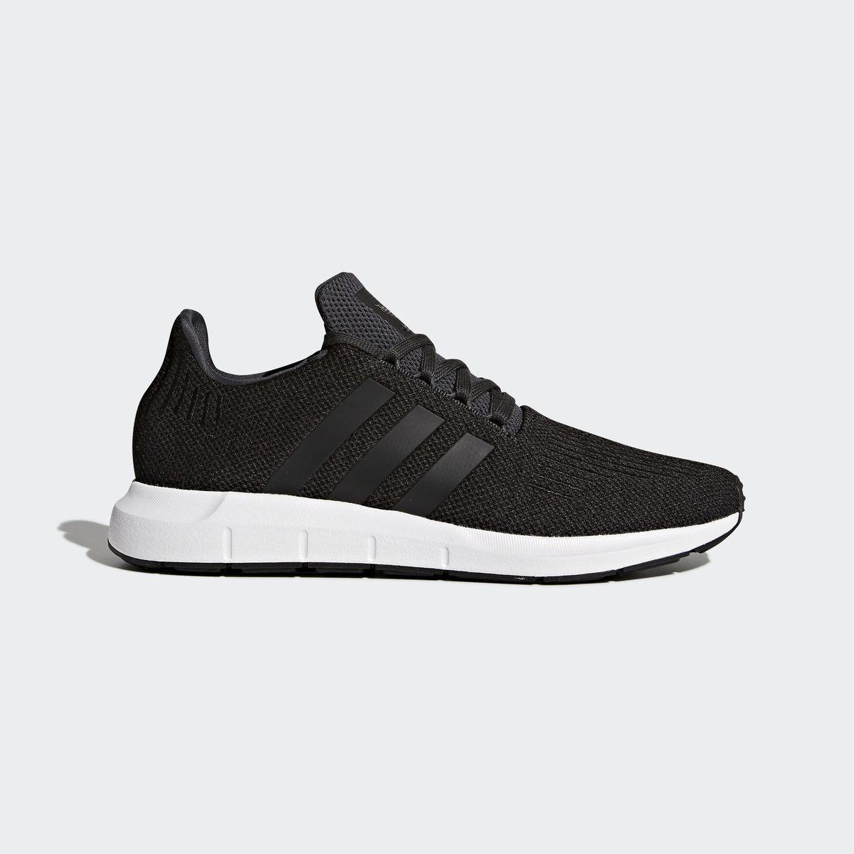 Baskets Swift Run   Chaussures noires, Chaussure basket et