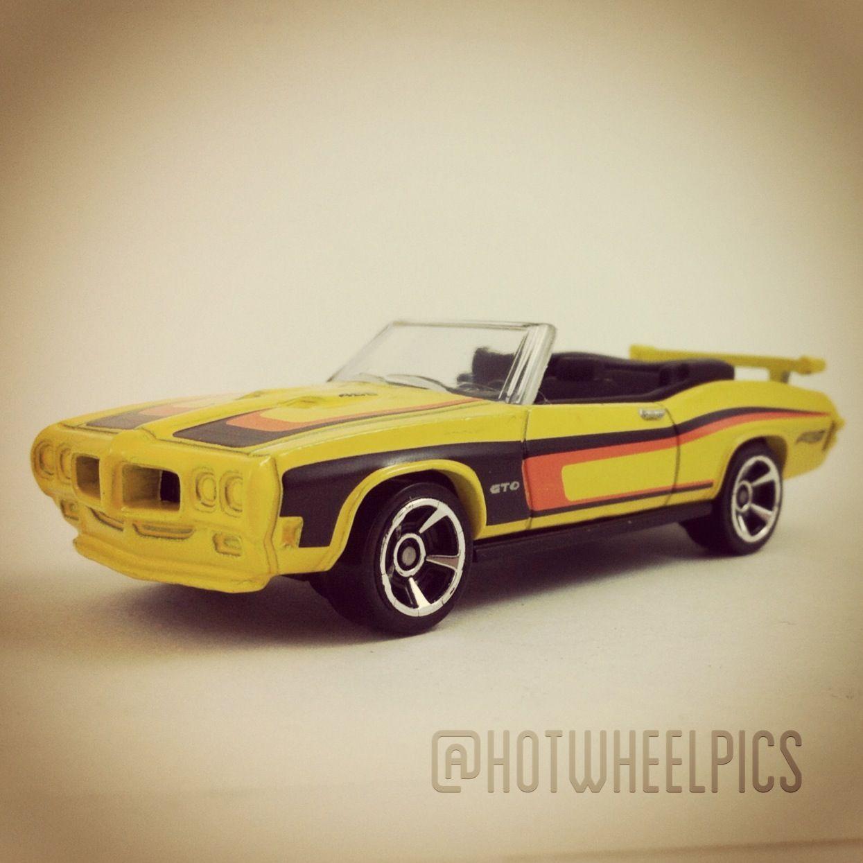 #105 - '70 Pontiac GTO - 2011 Hot Wheels - Muscle Mania