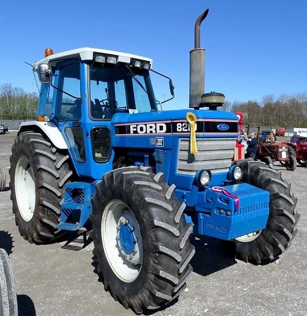Ford 8210 Fwd Ford Tractors Classic Tractor Tractors