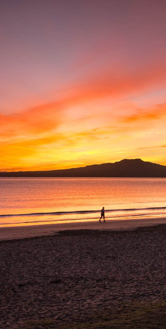 Takapuna sunrise - Rangitoto Island, NZ