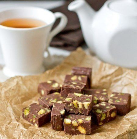 Very simple dessert to tea four ingridients