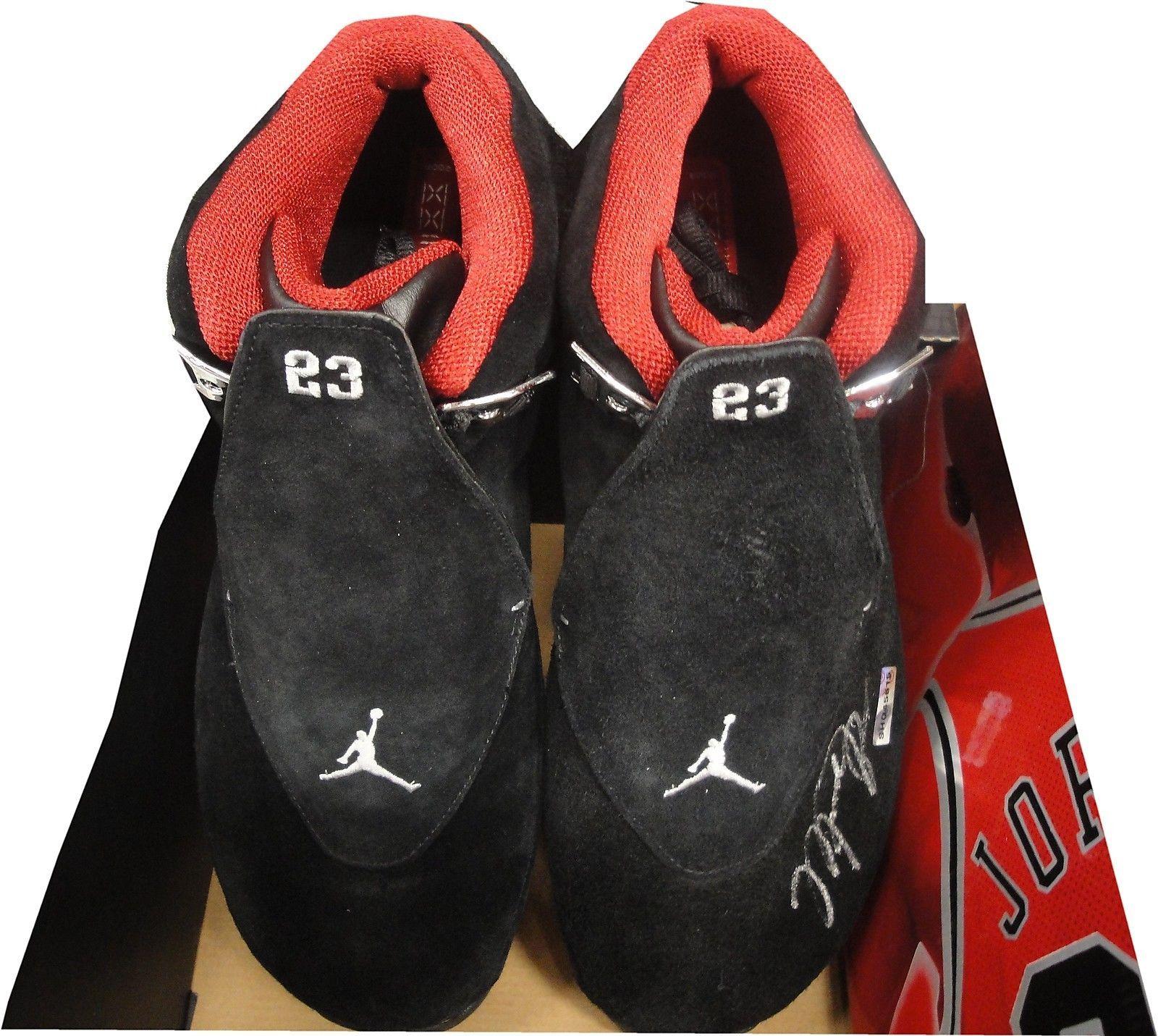 finest selection bce4c f0354 Michael Jordan Hand Signed Autographed Air Jordan Nike Shoe ...