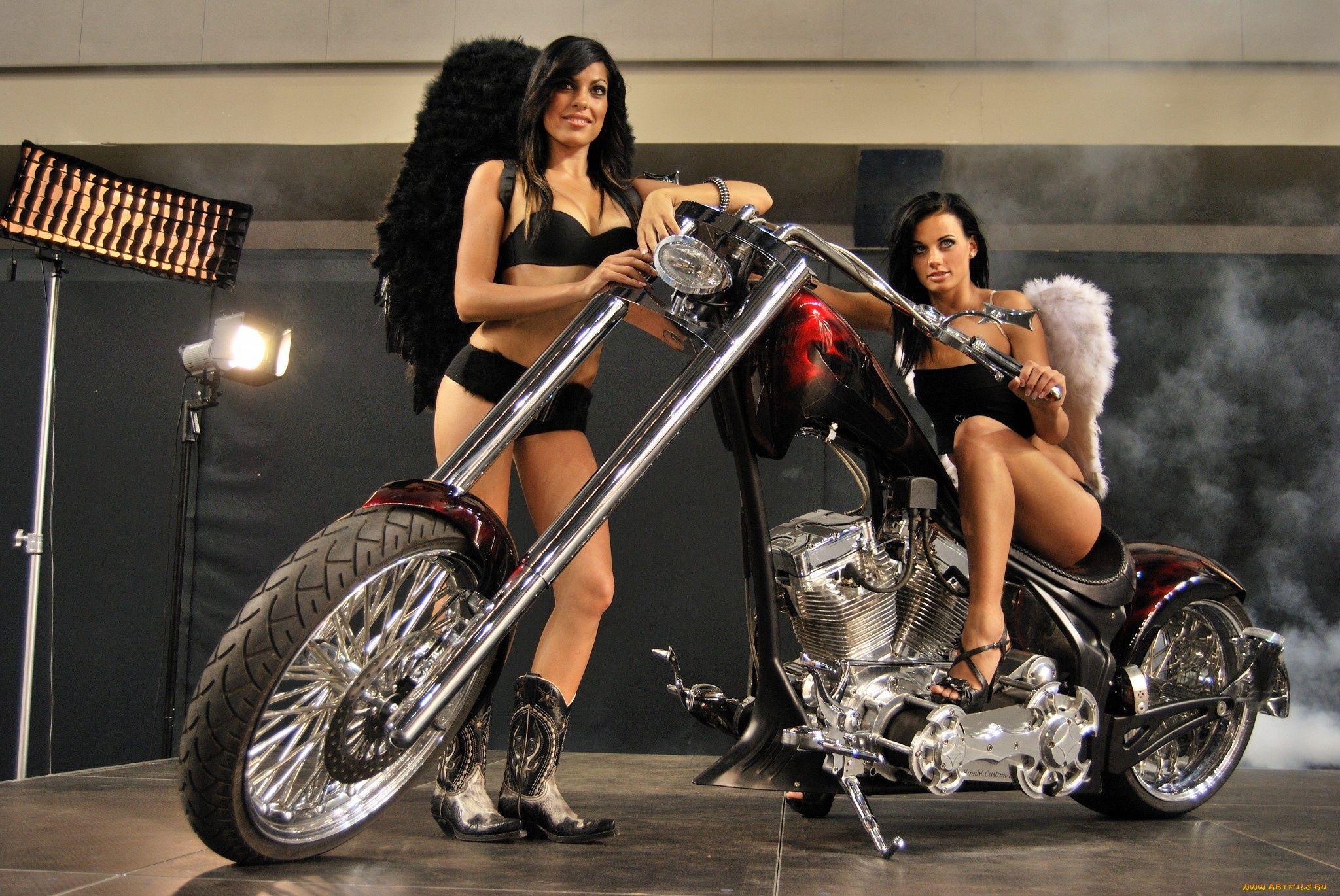 skinny-nude-black-motorbike-showgirls-amateur-video-hosting