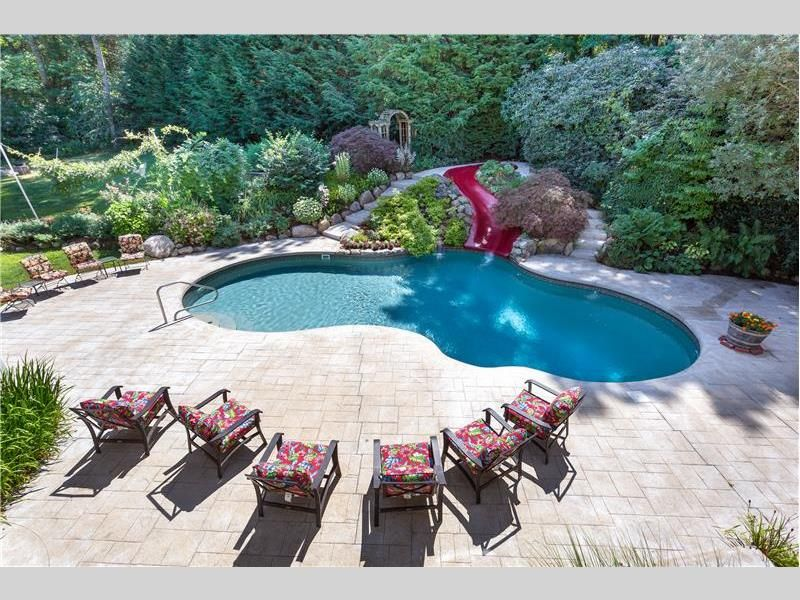4 Dix Rd Franklin Ma 02038 In 2020 Backyard Oasis Rustic Fire Pits Magical Garden