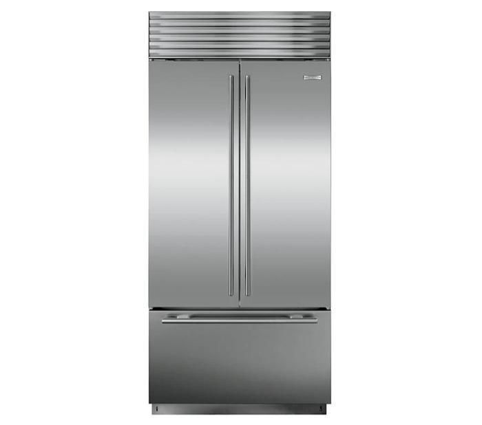 A Perfect Pairing Sub Zero S French Door Refrigerator And Wolf S New Gas Range French Door Refrigerator Sub Zero French Doors