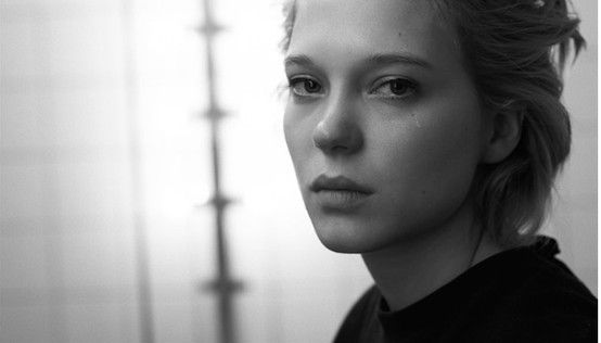 Léa Seydoux: Mirror, Mirror The French Actress and Muse Follows Up Her Sapphic Cannes Success with a Sultry New Shoot  Away from the industry buzz about her somewhat scandalous new role as a lesbian art student in Palme d'Or-winning La Vie d'Adele (Blue is the Warmest Color),  Léa Seydoux reveals a natural candidness in this set of photographs by Eric Guillemain from behind the scenes at a recent shoot for Numéro Tokyo that took place at Pin-Up Studio, Paris in January.