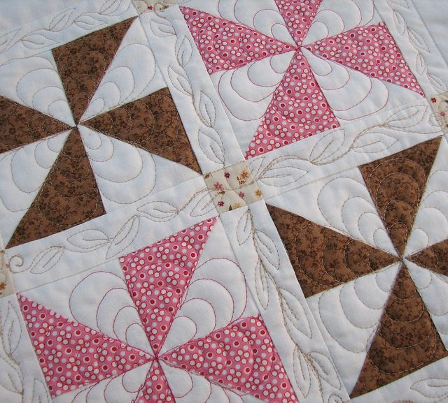 Pinwheel Sampler Block Two - Quilted Pinwheel quilt, Free motion quilting and Machine quilting