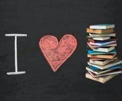 I love books! ♡♡♡