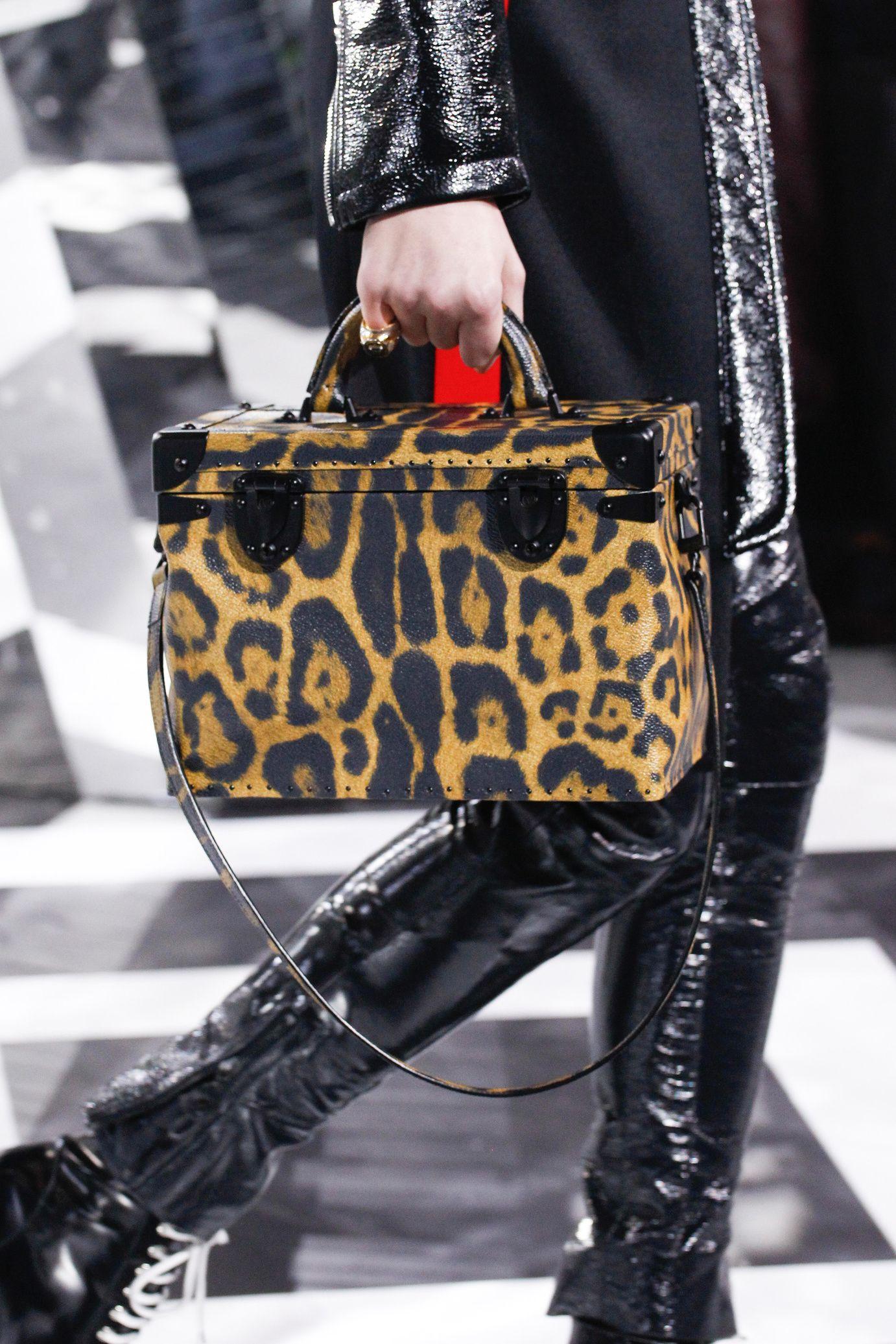 25e0361782 Louis Vuitton  Fall Winter 2016-2017