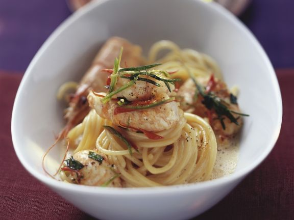 Pasta mit Langustensoße ist ein Rezept mit frischen Zutaten aus der Kategorie Krustentiere. Probieren Sie dieses und weitere Rezepte von EAT SMARTER!