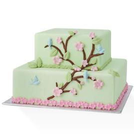 Create this beautiful floral masterpiece with the help of our Nature Designs Gum Paste & Fondant Mold. From blossoms, to branches to birds, the designs come together for a fondant cake that celebrates nature's beauty.