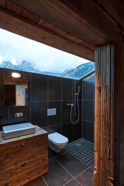 Klassische Badezimmer 360 kleines chalet in gsteig interiors house and architecture