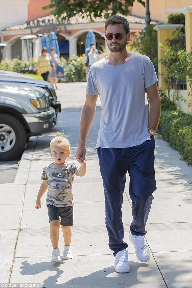 9629efba8 Reign Disick wearing Adidas Yeezy Boost 350 V2 Infant in Cream ...