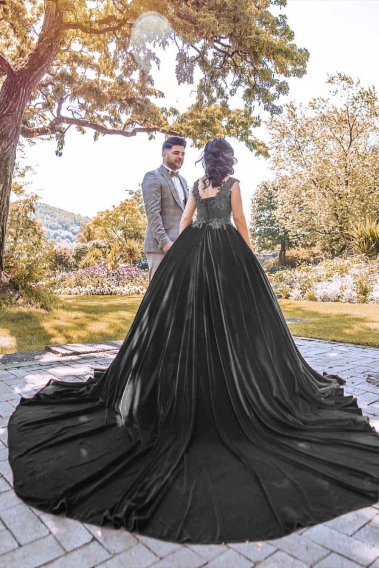 Rust Wedding Dress Velvet Ball Gown Appliques Ball Gowns Black Wedding Dresses Colored Wedding Dresses [ 1863 x 1242 Pixel ]