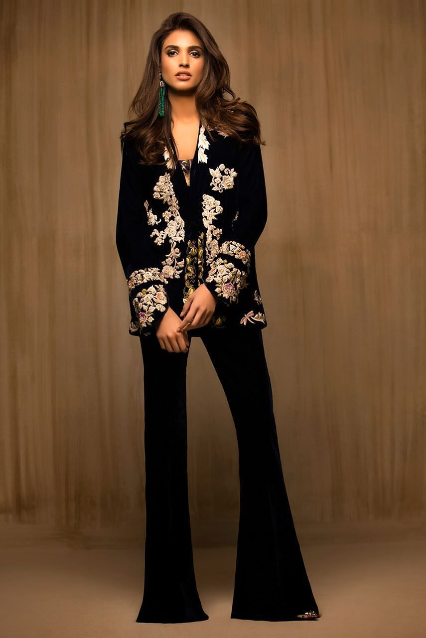 3fb068aa6 Embroidered velvet jacket in 2019 | Pakistan | Velvet jacket ...