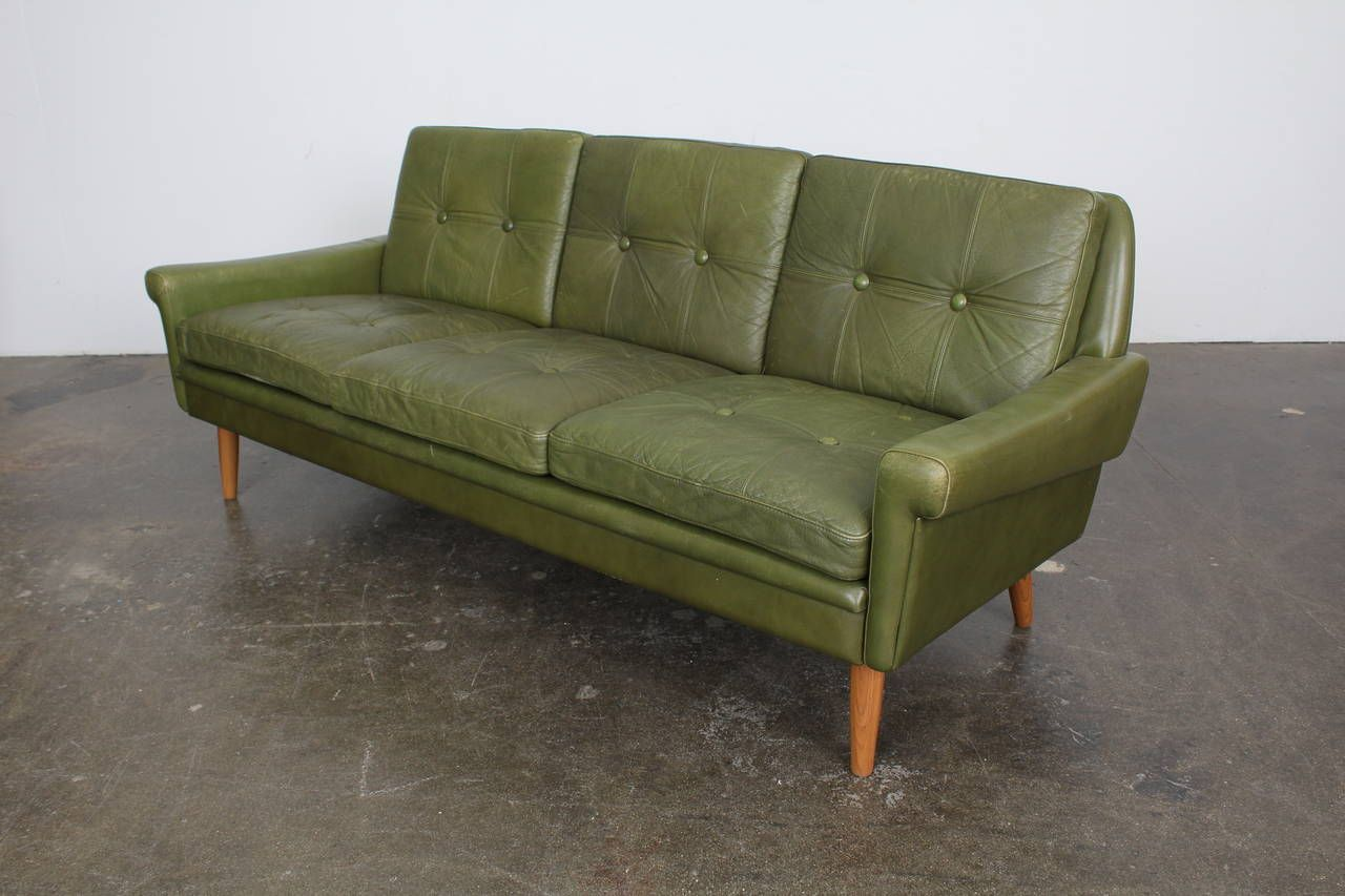 Samtsofa Rodeo Furniture Decorative Mid Century Modern Green Leather Sofa By