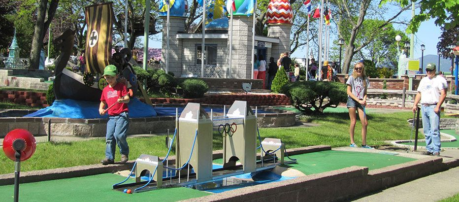 Mini Golf Around The World Mini Golf Lake George Ny It S Been Rated Among The Top Courses In The World Pa Golf Courses Miniature Golf Course Miniature Golf