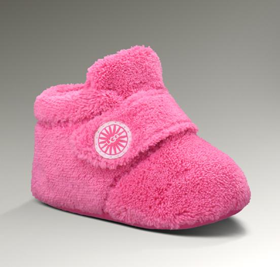 UGG Fox Fur Short Boots 8288 Black  http://www.pickmybestboots.net/