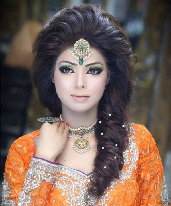 Latest Pakistani Bridal Hairstyle: Latest Pakistani Bridal Hairstyles For Wedding Day 2016