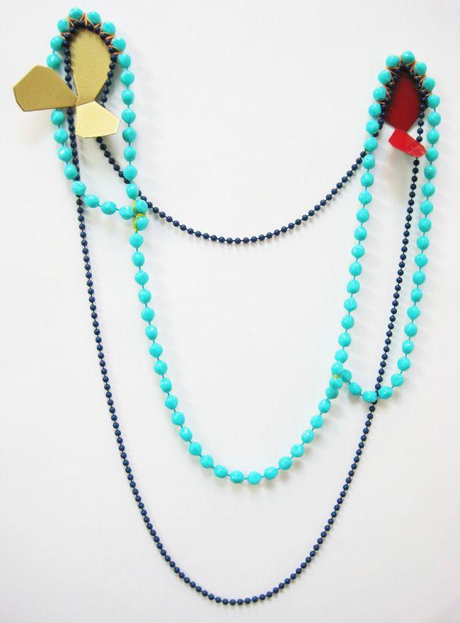 Spille Facets and Plastics Series - Stephanie Voegle - Stati Uniti - Realizzate in rame, acciaio, perle di plastica, filo e vernice